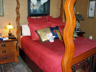piglet-in-bed-2.jpg