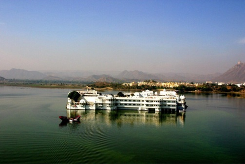 lake-palace-on-pichola.jpg